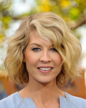 Jenna Elfman to Host Women in Film Gala Honoring Laura Linney, the Women of 'Mad Men'
