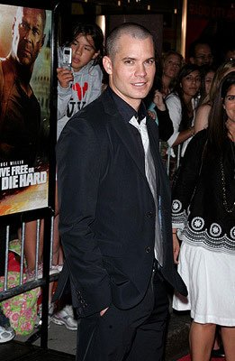 Timothy Olyphant at the New York premiere of 20th Century Fox's Live Free or Die Hard