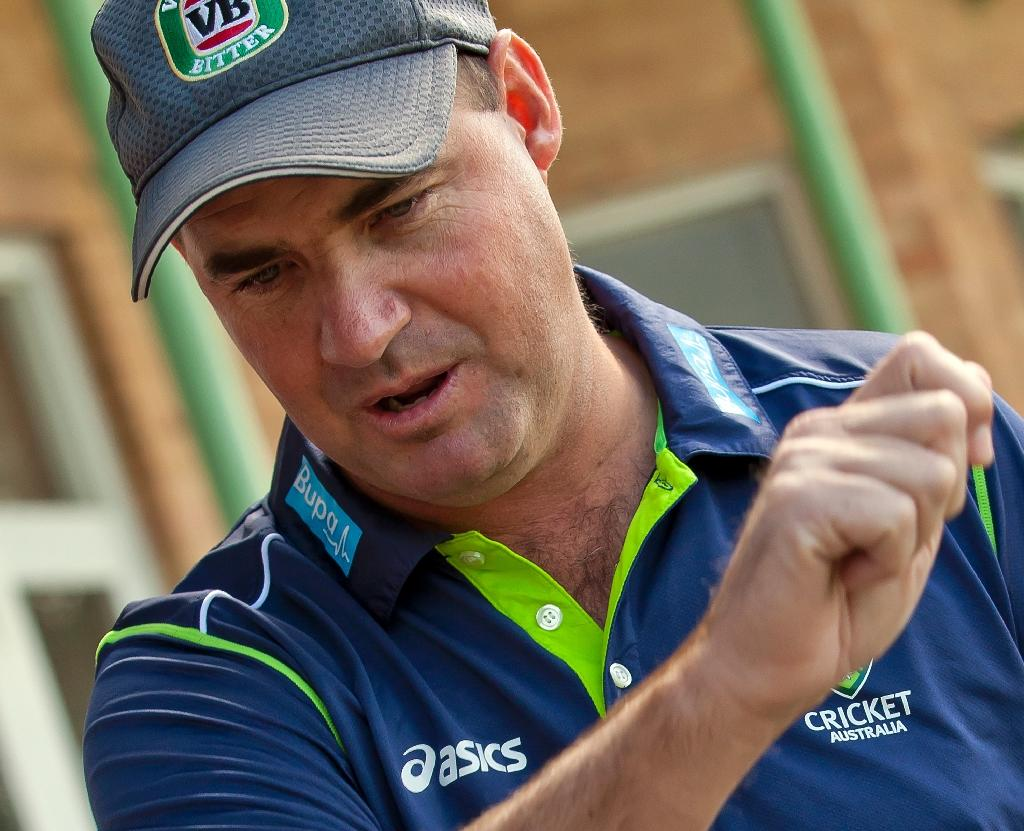 Pakistan appoint South African Mickey Arthur as new cricket coach