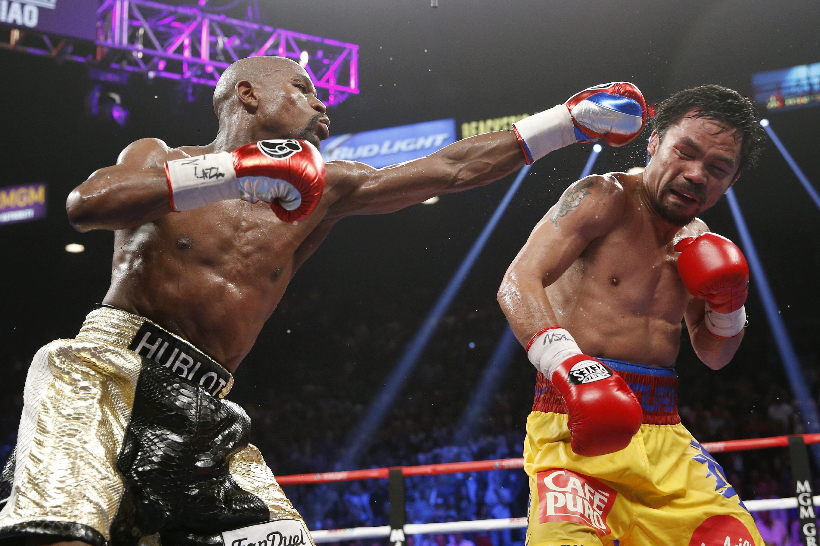 Sports world reacts to the Mayweather's win