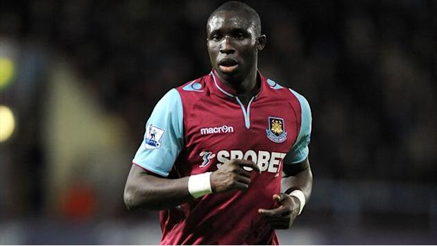Premier League - Arsenal target Diame happy at West Ham