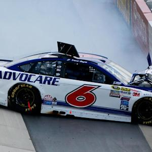 Slight contact leads to major wreck for Bayne