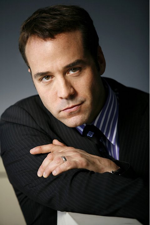 2007 Emmy Awards: Jeremy Piven nominated for Best Supporting Actor (Comedy) for his role as Ari Gold in Entourage.