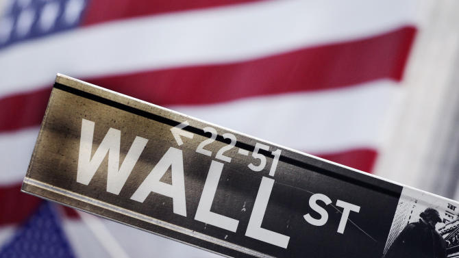 Stocks close higher as banks gain on rising rates