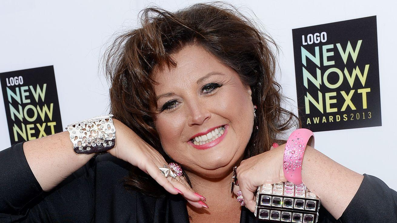 'Dance Moms' Star Sics Her 2 Million Instagram Followers on Local Pizza Hut
