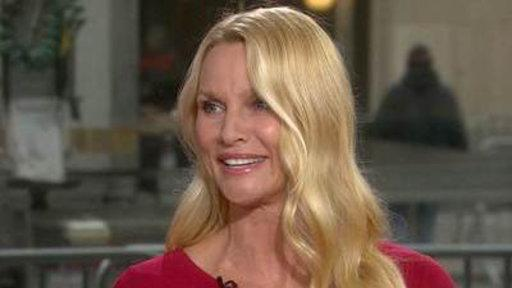Nicollette Sheridan Gets in 'The Christmas Spirit'
