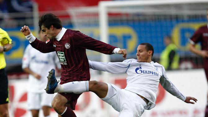 Kaiserslauterns Jan Moravek, left, and Schake's Jermaine Jones challenge for the ball during a match of German first soccer division Bundesliga between 1.FC Kaiserslautern and FC Schalke 04 in Kaiserslautern, Germany, Saturday, Nov. 27, 2010. (AP Photo/dapd,Thomas Wieck)**NO MOBILE USE UNTIL 2 HOURS ATER THE MATCH, WEBSITE USERS ARE OBLIGED TO COMPLY WITH DFL-RESTRICTIONS, SEE INSTRUCTIONS FOR DETAILS**
