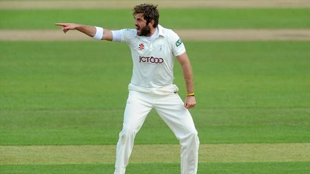 Liam Plunkett took four Middlesex wickets as Yorkshire dominated on day three