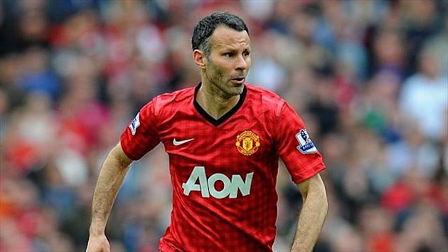 Ryan Giggs has signed on for another year at Manchester United