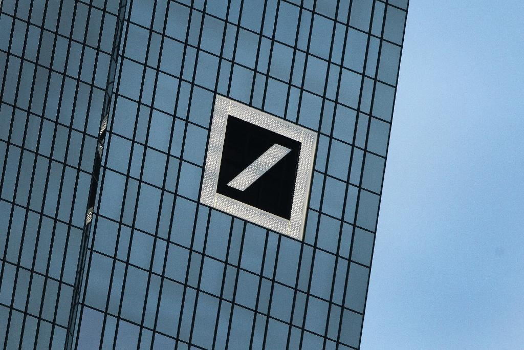 Deutsche Bank says has cash to pay risky debts