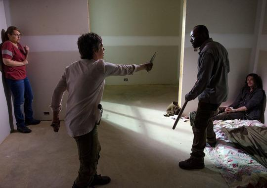 The 'Walking Dead' Brain-Dead Move of the Week: Never Trust a Guy With a Letter Carved Into His Forehead