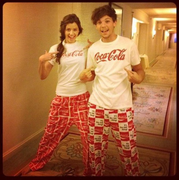Louis Tomlinson, Eleanor Calder,matching PJs