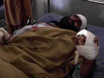 Raw: Suicide Bombers Kill 5 in Pakistan