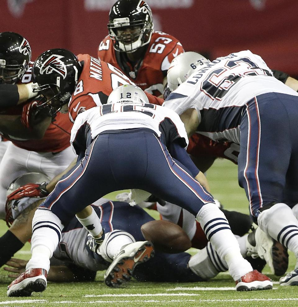 Patriots keep Falcons guessing, win again