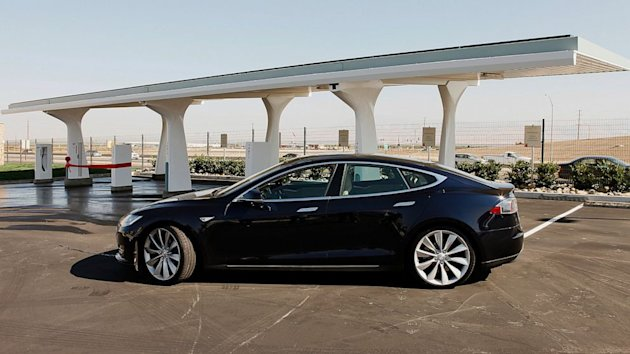 Local Dealers Pan Tesla's Online Sales, Apply Legislative Pressure (ABC News)