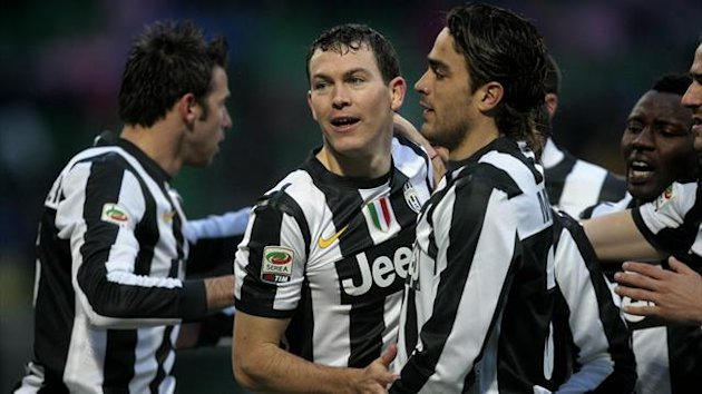 juventus palermo lichtsteiner celebration
