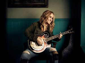 Melissa Etheridge Seeks to Unite on 'Uprising of Love' - Song Premiere