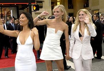 Premiere: Lucy Liu, Cameron Diaz and Drew Barrymore at the LA premiere of Columbia's Charlie's Angels: Full Throttle - 6/18/2003