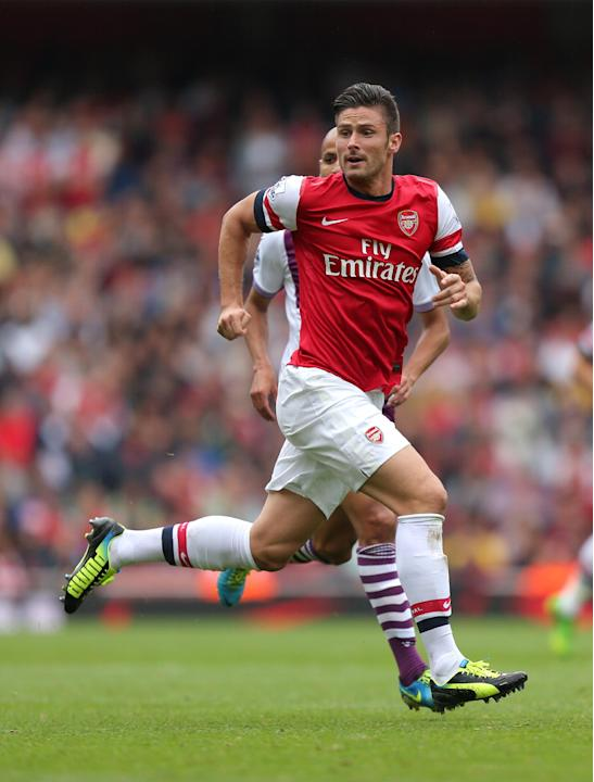 Soccer - Barclays Premier League - Arsenal v Aston Villa - Emirates Stadium