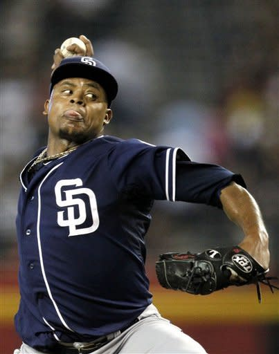 Padres beat D-backs 5-4 for 7th straight win