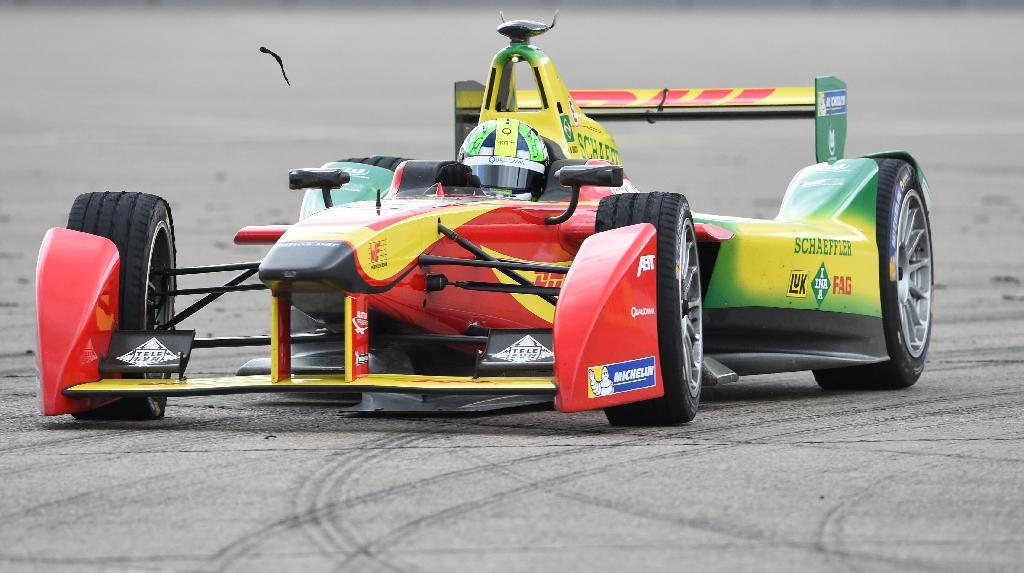 Di Grassi stays on top with Berlin win