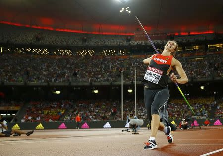 Germany's Molitor snatches gold with final throw