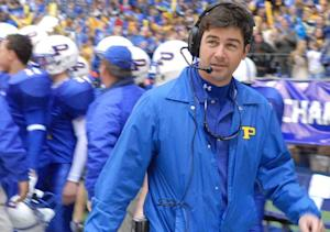 Pilot Scoop: Kyle Chandler Tees Up TV Return as Star of Showtime's The Vatican
