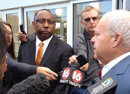 Former Mississippi prisons chief pleads guilty in bribery case