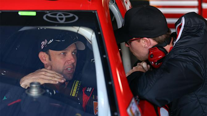 Kenseth to sub for Hamlin in charity Showdown