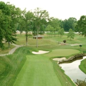 Hole 15 at Valhalla: Par-4, 435 yds