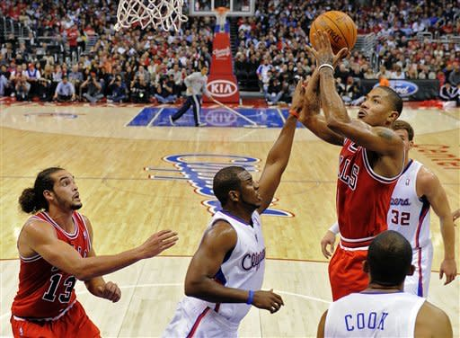 Bulls pull away in 4th to beat Clippers 114-101