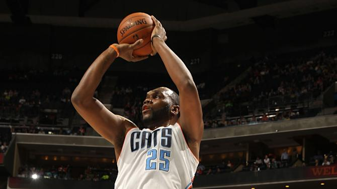 Bobcats hold off Magic, get back to .500