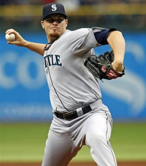 Beavan goes 8 innings, Mariners beat Rays 2-1