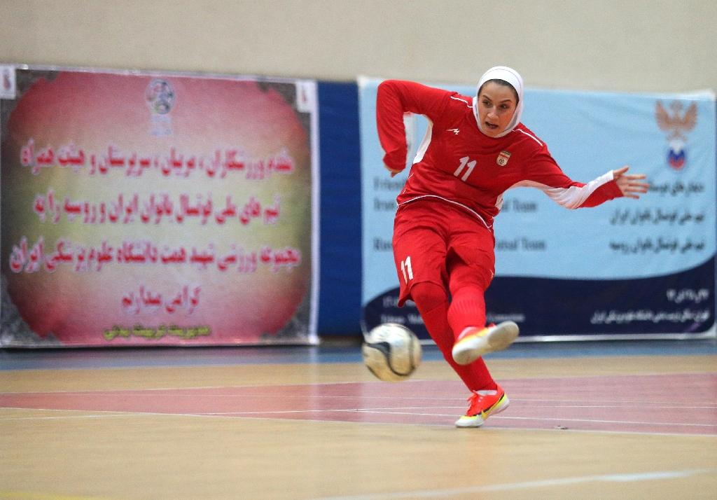 Female footballer leaves Iran, husband overruled