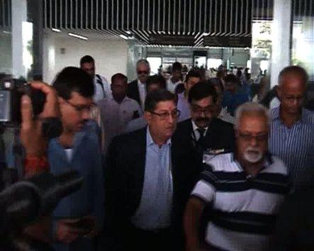 Srinivasan reaches Kolkata to attend BCCI meet