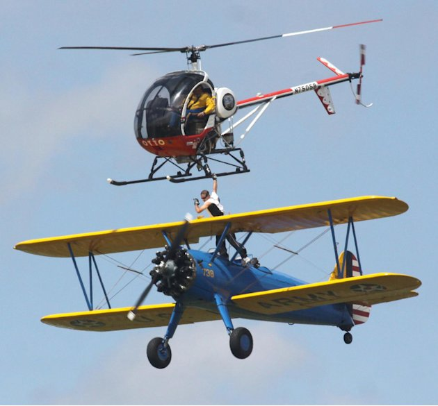 Wing walker Todd Green loses …