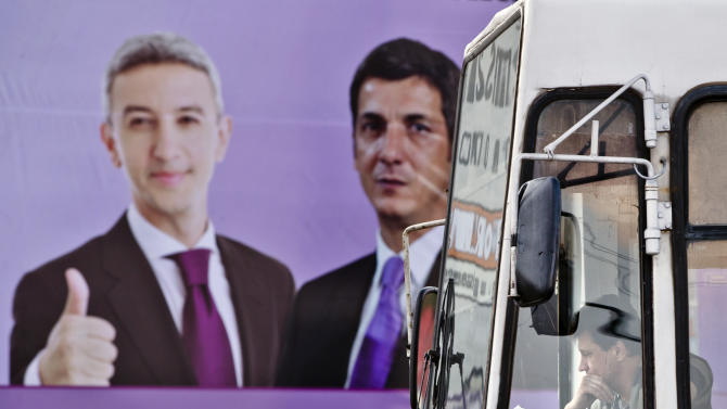 Populist emerges in Romania's bitter election