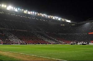 Manchester United to spend 500,000 pounds on new Old Trafford pitch