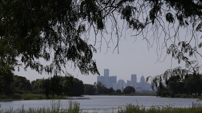 FILE - This Sept. 12, 2012 file photo shows downtown Detroit as seen from Belle Isle park in Detroit. Mayor Dave Bing says Gov. Rick Snyder has withdrawn a lease proposal that would have allowed the Michigan Department of Natural Resources to operate Belle Isle as a state park. (AP Photo/Paul Sancya, File)