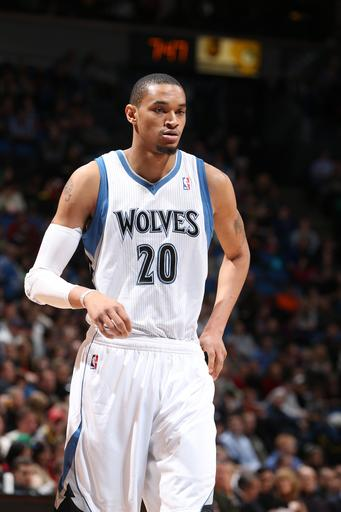 New guys lift Wolves to 92-79 win over Rockets