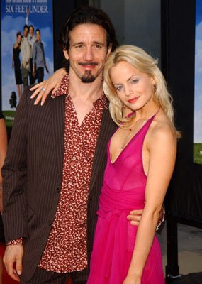"Premiere: Mena Suvari and Robert Brinkmann at the Hollywood premiere of HBO's ""Six Feet Under"" - 6/2/2004"