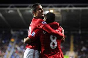 Reading 3-4 Manchester United: Rooney & Van Persie fire visitors three points clear