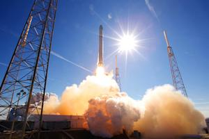 SpaceX's 1st Private Capsule Launch to Space Station: How It Will Work