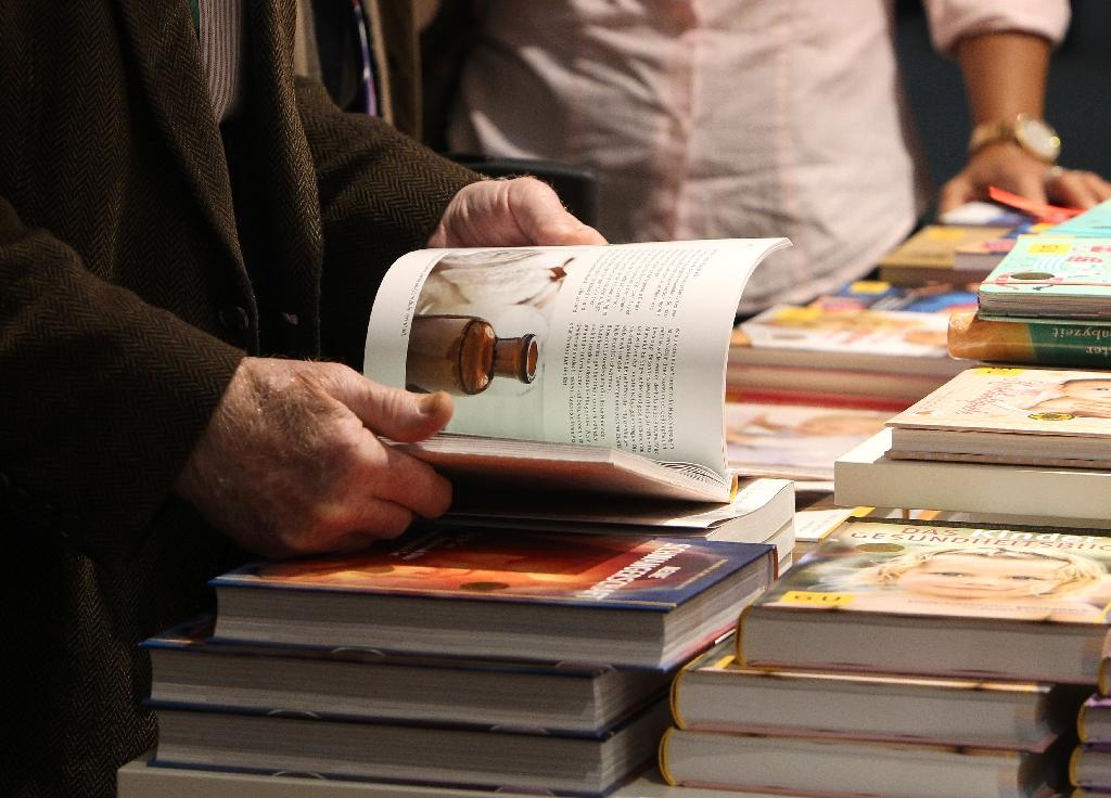 Frankfurt book fair opens in controversy as Rushdie sparks Iran boycott