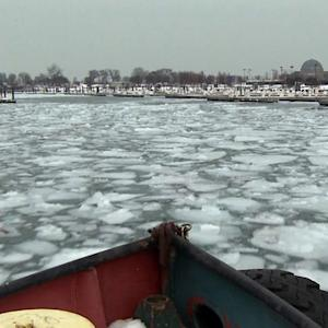 Deep freeze disrupts shipping on Great Lakes