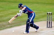 Captain Charlotte Edwards led the way with 33 runs in England's successful chase