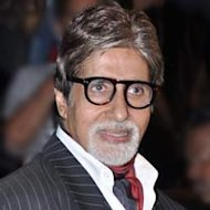 Amitabh Bachchan Overwhelmed With Family And Fans&#39; Wishes On His Birthday