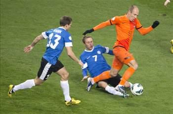 Netherlands 3-0 Estonia: Van Persie among the goals as Oranje maintain perfect record