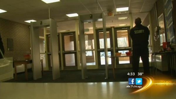 Chicago-area schools step up security precautions post-Sandy Hook