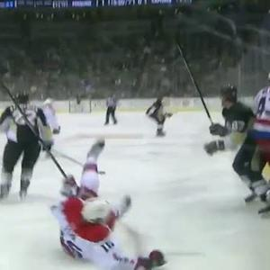 Sidney Crosby lays a big hit on Eric Fehr